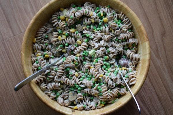 Veganer Nudelsalat für's Buffet beim Grillfest in Kita oder Schule