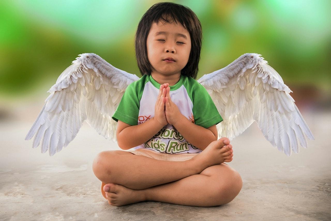 Kinder-Yoga: Wie dein Kind zu einem entspannten Menschen wird