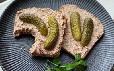 Vegane Leberwurst – leckerer Aufstrich aus Kidneybohnen und Räuchertofu